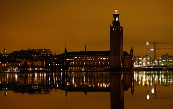 Picture of Stockholm city hall in the evening