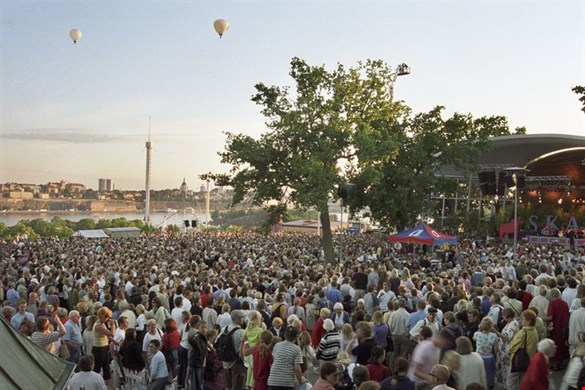 View of audience on Sollidenplan, Skansen